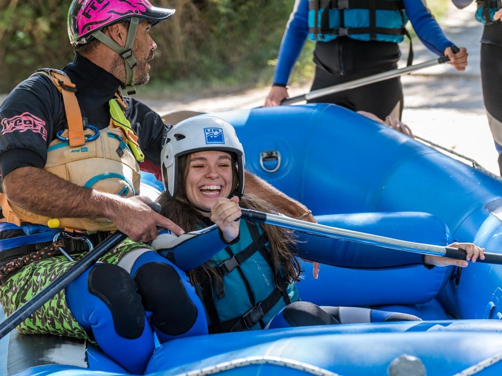 Rafting-y-deporte-de-aventura-para-despedida-de-soltera-en-jaca